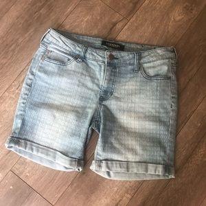 Liverpool Cuffed Bermuda light wash Jean shorts 6